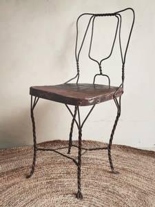 Bilde av Vintage Brun Metall Stol No.4
